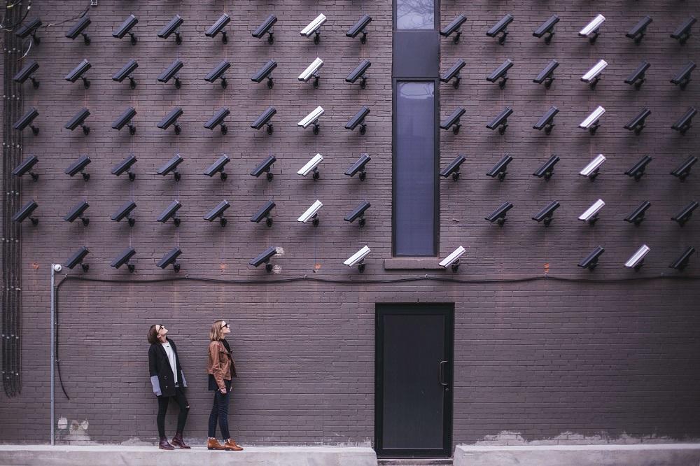 Hvad er VPN? Og hvordan beskytter den mod overvågning